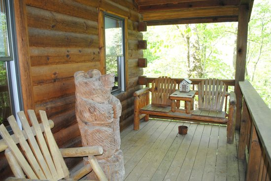 Buckeye Cabins: Front porch