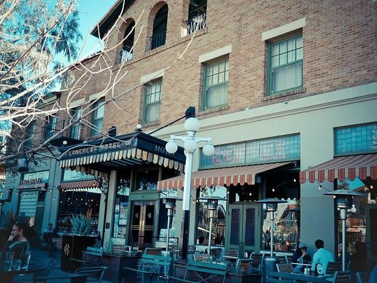 The Historic Hotel Congress: Outside restaurant & bar patio