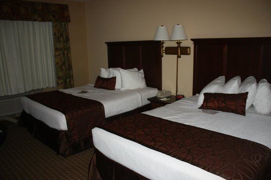 Grand Plaza Hotel Branson: Lovely bedspread