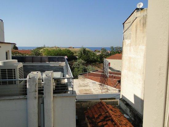 Arkadi Hotel: vue sur le port, merci