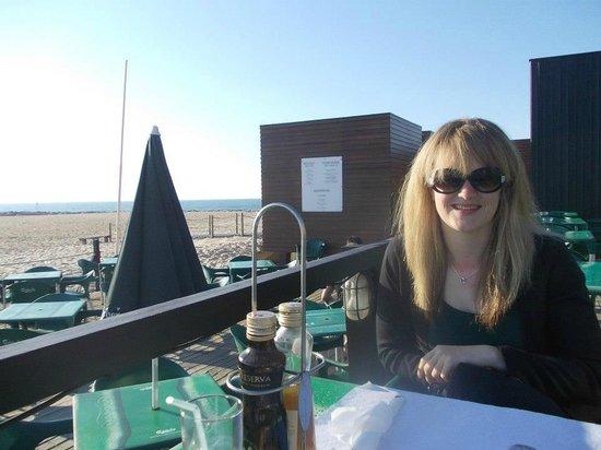 Hotel PraiaGolfe: snack bar on beach