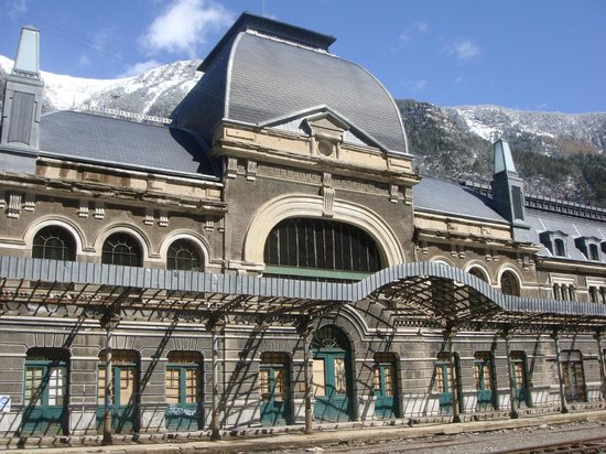 Estación Internacional de Canfranc: Entrada Principal