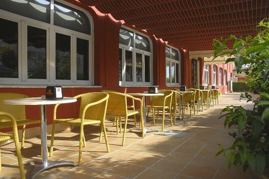 Hotel Philadelfia: Amplia terraza con barbacoa Argentina