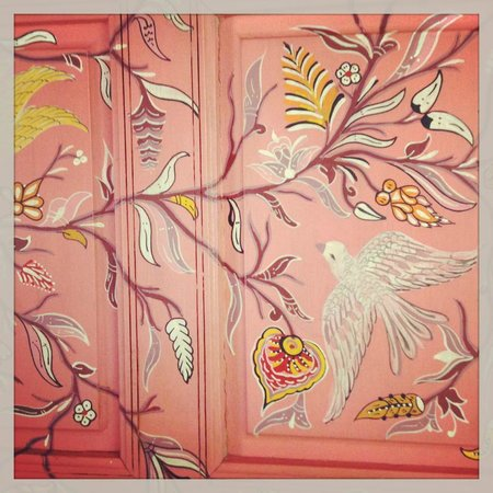 P'tit Habibi: One of the hand painted doors