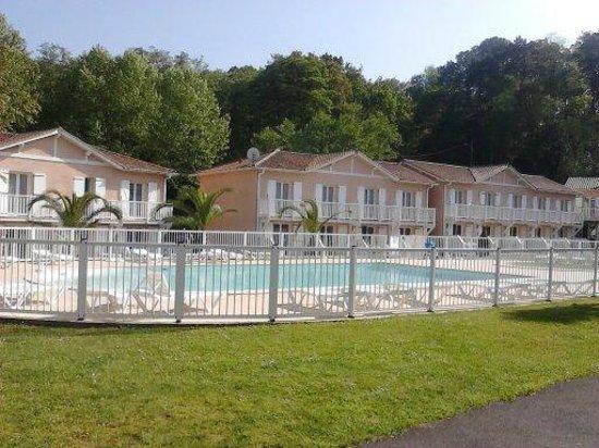Residence La Croisiere: La résidence  et sa piscine
