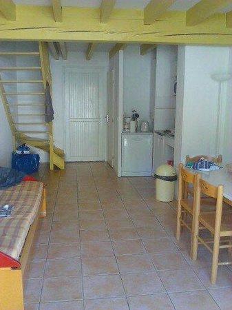 Residence La Croisiere: Salon salle a manger cuisine rdc