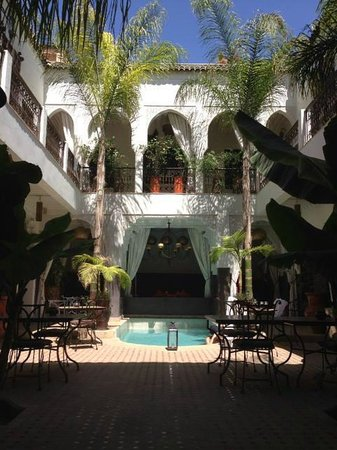Riad Pachavana: patio et piscine