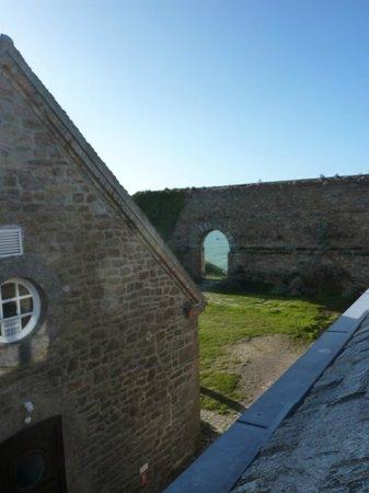 Le Fort du Cap Levi : vue de la chambre