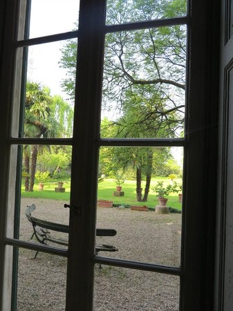 Bed and Breakfast Locanda Lugagnano: Blick in den Garten