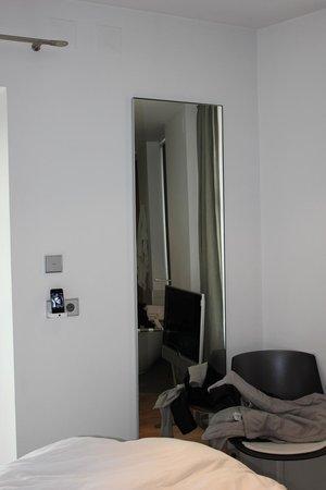 Hotel Quatorze : iPhone dock