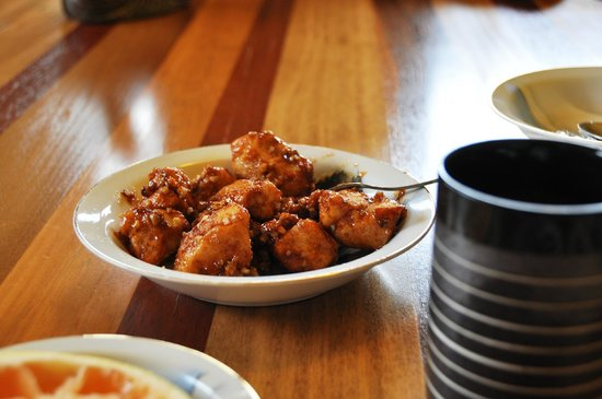 Berkshires Shirakaba Guest House: Best sticky buns EVER!