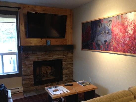 Banff Rocky Mountain Resort: one bedroom wolf condo