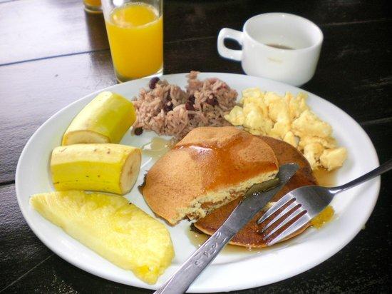Hotel Arenal Montechiari: Breakfast.