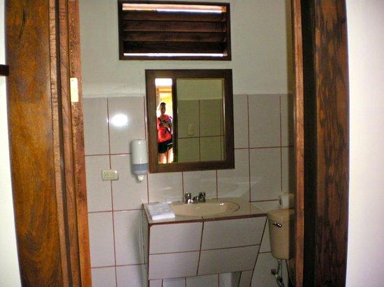 Hotel Arenal Montechiari: Bathroom