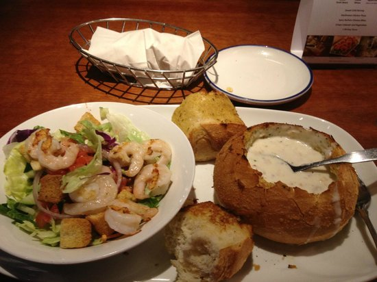 Red Lobster: Soup and Salad Lunch Special