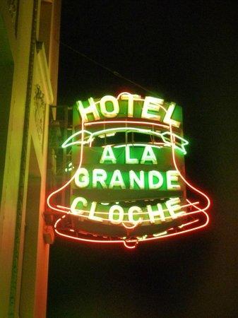 Hotel a la Grande Cloche: L'enseigne