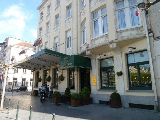 Hotel a la Grande Cloche: L'entrée de l'hotel