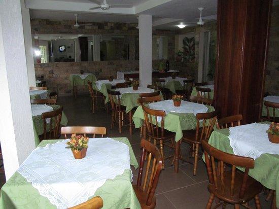 Yes Hotel Pousada: comedor