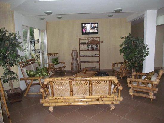 Yes Hotel Pousada: sala tv