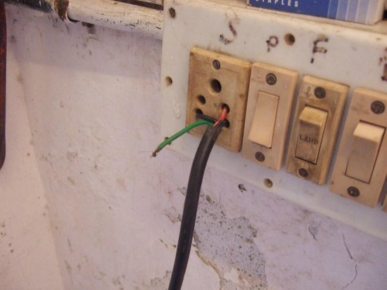 Vasco Residency: Dodgy electrics in the bathroom