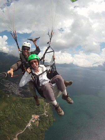 Paragliding Panajachel: Having fun in Guatemala skies