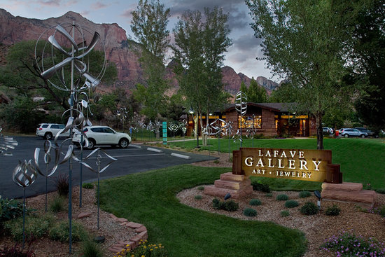 St. George, UT: Art Gallery in Springdale UT (Zion National Park)