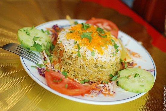 Chicken shashlik avec un cheese naan picture of kamala - Cuisine indienne biryani ...