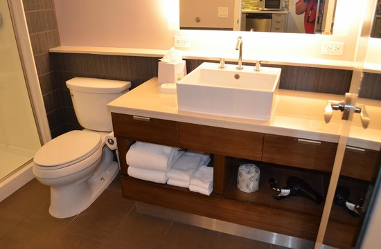 Element Las Vegas Summerlin: Bathroom
