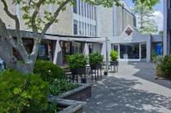 Christchurch YMCA: Accommodation Entrance
