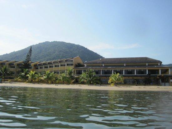 Christopher Columbus Beach Resort: Resort from ocean