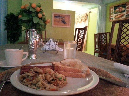 Kanuku Suites: Breakfast