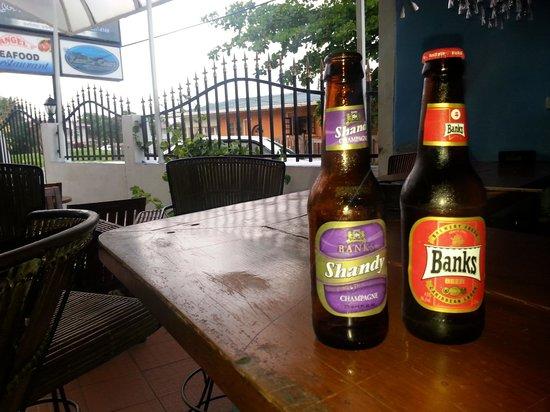 Kanuku Suites: At the bar