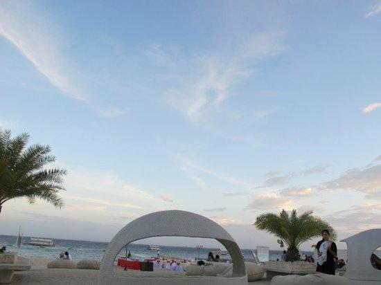 BE Resort, Mactan: Beach area
