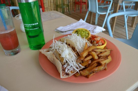 Tranquilo Cafe: The most amazing fish tacos on the planet