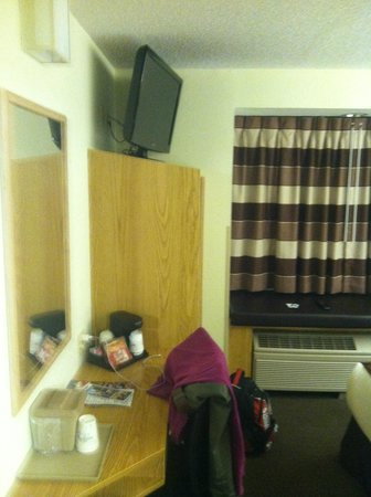 Microtel Inn & Suites by Wyndham El Paso Airport: opposite wall