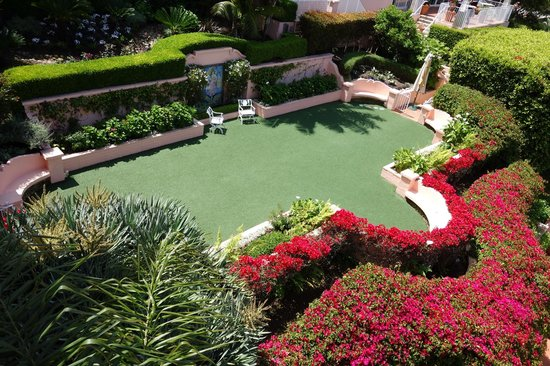 La Valencia Hotel: View of area used for weddings & parties