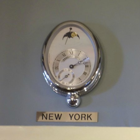 La Valencia Hotel: One of four world time clocks in the reception area