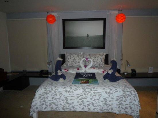 Hotel Laguna Mar : Penthouse master bed