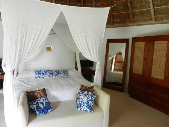 Mahekal Beach Resort: 4c large room