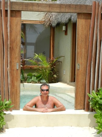 Mahekal Beach Resort: deluxe ocean front 4c private plunge pool