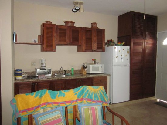 IslaMar Vacation Villas: Kitchen area