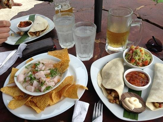 Toad Hall Hotel: BEST EVER!! Ceviche & Fish tacos