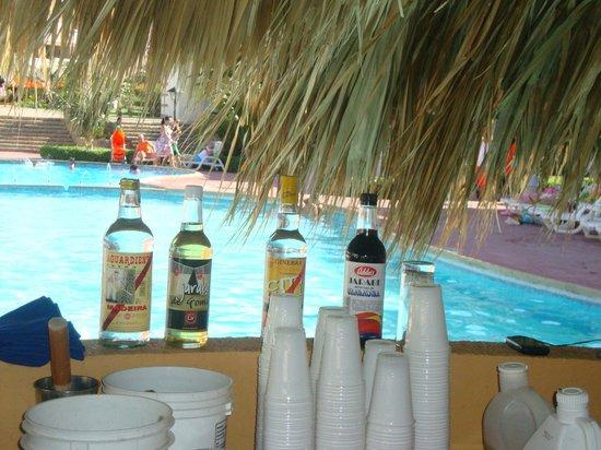 Hotel Kokobay : bar piscina