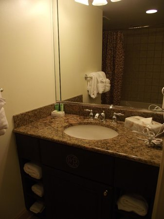 Westgate Historic Williamsburg Resort: Second bathroom (with hairdryer)