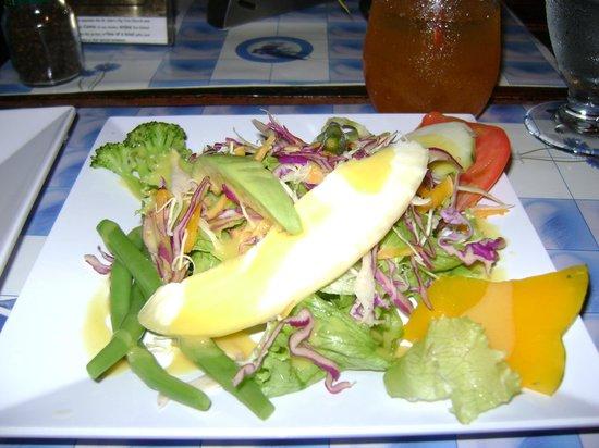 Sunshine's Beach Lounge : Beautiful salad @ Sunshine's