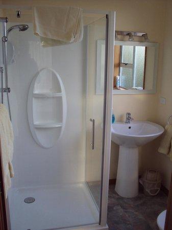 Brook House B&B & Cottages : bathroom