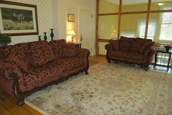Inn at Jackson: Sitting area on second floor foyer