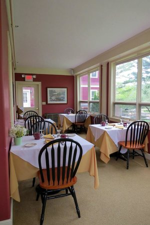 Inn at Jackson: cozy dining