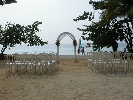 Hotel Riu Palace Tropical Bay: Beach wedding location