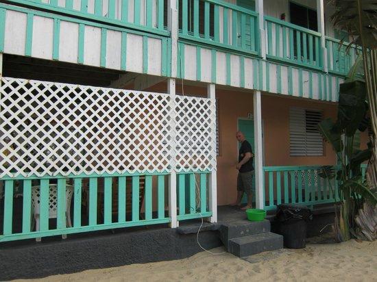 Seaspray Hotel: Main walkway